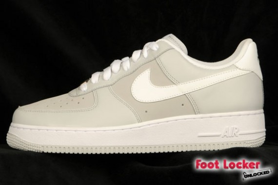 air force one gray and white